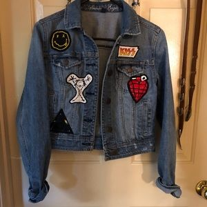 Guess prewashed jeans jacket painted rock patches